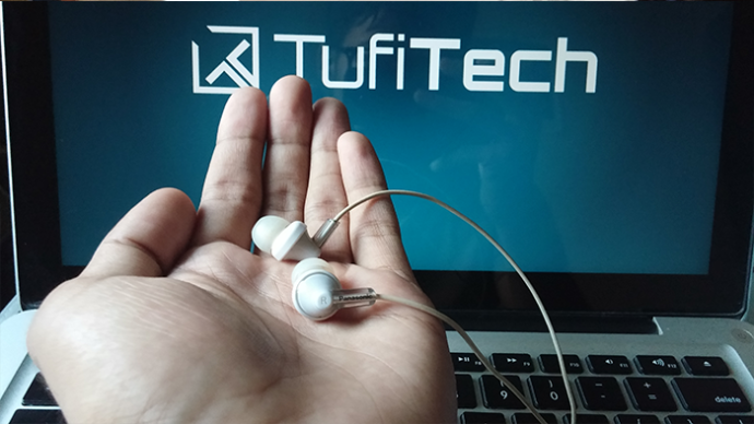 Cheap in-ear earphone