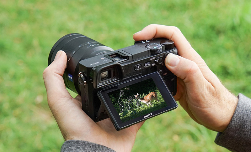 Sony A6300 design and features
