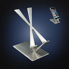 Arts on desk iPhone 7 stand